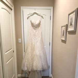 Dresses & Skirts - Size 4 A-line off white wedding dress. Never worn.